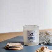Kolekce NATURE🥥🌱🌊🤍 - čistá a svěží. Z této kolekce nabízíme kvalitní svíčky ze sójového vosku ve dvou velikostech s bavlněným knotem, ve dvou variantách vůně - Kokos & Limetka - příjemná svěží a exotická vůně, Island Spa - čistá, lehce citrusová vůně. Dále pak parfémované difuzéry + náhradní náplně. Díky svému jemnému, přírodnímu vzhledu, se bude hodit do každého interiéru. Podívejte se na www.aromanaturals.cz  nebo nás zde kontaktujte a rádi Vám poradíme ❤️✉️#aromanaturals #aromatherapy #aroma #svicky #svicka #sojovasvicka #interiordesign #interier #homefragrance #homedesign #homedecor #dekorace #difusor #nature #priroda #svezest #prirodni