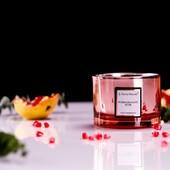 Vonná svíčka - Granátové jablko z kolekce ELECTRUM - bohatá ovocná vůně granátového jablka s tóny jemných květin a dřeva. #svicka #sojovasvicka #vune #aromanaturals #granatovejablko #ovoce #electrum #odlesky #jablko #elektrizujici #relax#interier #dekorace #domov #darek #grapefruit #bergamot #jasmin #cedrovedrevo #jantar #fialka #bramborik #karafiat #safran #homefragrance