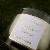 #sojovasvicka #sojovesvicky #květiny #fleur #doplnky #jaro #aromanaturals #homefragrance #home #candles #trava #gardénie #zlaty #bily #sklo #darekprozenu #darekpromuze #darek #darkovebaleni #kvetinovy #cerven